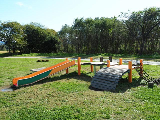 久留米リバーサイドパークの低い滑り台