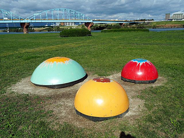 久留米リバーサイドパークの丸い遊具