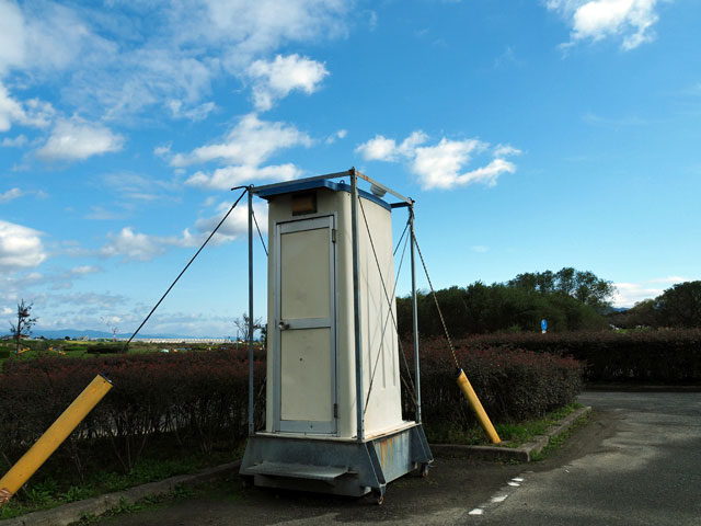 久留米リバーサイドパークの簡易トイレ